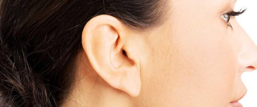 Серная пробка в ухе: симптомы и причины возникновения