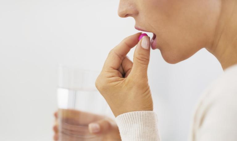 недержание мочи у женщин после 50 лет лечение лекарствами