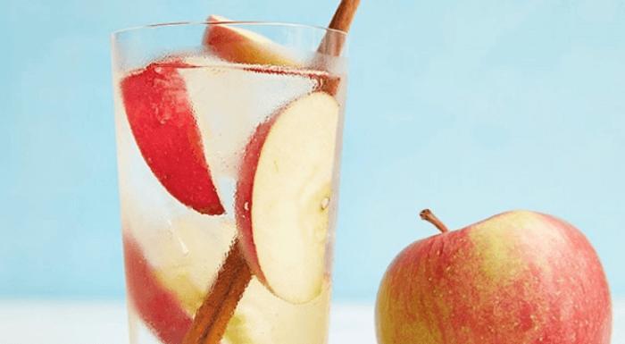 корица с яблоками